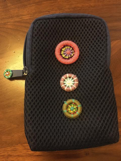 画像:糸巻きボタン/ドーセットボタン教室 作品